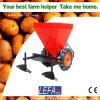 Planteur de pomme de terre piloté par entraîneur de machines de ferme