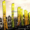 O evento ao ar livre da praia de Rectang do indicador ostenta a bandeira pólo