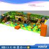 Tema 2017 interno da selva do campo de jogos das crianças de Vasia