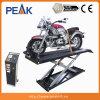 Polo de moto com ferramenta de substituição de pneu