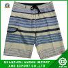 Shorts della spiaggia degli uomini semplici per usura di estate