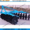 Ферма оборудует борону диска HP 15-50 установленную трактором Light-Duty