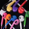 Les pièces d'oreillettes colorés des écouteurs de téléphone mobile pour iPhone