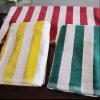 ビーチタオルのプールタオル(DPF10103)のためのヤーンによって染められるタオル