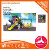 Kind-im Freienspiel-Spielplatz-Geräten-Schule-Plättchen
