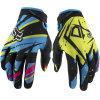 La guida alla moda blu di motocross mette in mostra i guanti per la corsa (MAG22)