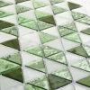 El vidrio cristalino verde y blanco embaldosa el mosaico para la pared del cuarto de baño