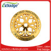 Pin su ordinazione del risvolto del metallo dell'oro con la cavità