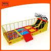 Grand jeu de sport à l'intérieur d'usine de Trampoline avec filet de sécurité