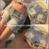 O laço novo dos Shorts das mulheres rebita calças de brim da sarja de Nimes