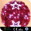 Luzes vermelhas da esfera do diodo emissor de luz do motivo do Natal para decorações da rua