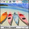 Solo kajak barato de los cabritos del barco plástico para los niños