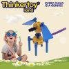 Les jouets en plastique à l'intérieur de l'éducation des enfants La Ferme des animaux