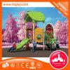 A corrediça plástica do campo de jogos dos miúdos Eco-Friendly caçoa o preço do campo de jogos
