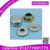 Части гальванизированные металлом штемпелюя и подвергая механической обработке