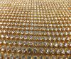 Rolo redondo dourado dos cristais do Rhinestone da decoração brilhante do vestuário