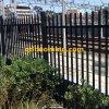 Через сваренную гальванизированную стальную загородку копья с покрытием черного порошка