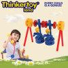 O bloco de apartamentos do brinquedo de DIY confunde o brinquedo para 3-6 miúdos