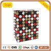 Bolso de compras de vestir del papel revestido de la gema redonda roja y negra de los cosméticos