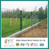 3D塀PVCは電流を通された溶接された金網の塀に塗った