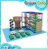 屋内運動場の子供ロープのコースの上昇のネット