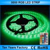 un indicatore luminoso di 5050 SMD RGB LED strisce flessibile di 12V