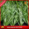 Hierba de alfombra artificial del balompié natural