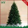 훈장을%s 가진 나선형 크리스마스 나무