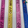 35mm weg vom weißen Firmenzeichen-Jacquardwebstuhl-Polyester-gewebten Material haben auf Lager