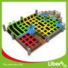 Parque colorido del trampolín del deporte del salto de altura