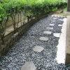 Черный настольный светильник в форме камня сад оформление
