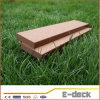 Decking plein composé en plastique en bois extérieur Grooved de ponçage ignifuge