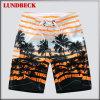 Shorts variopinti della spiaggia degli uomini con il prezzo competitivo
