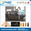 Bebidas carbónicas automáticas que llenan la máquina que capsula