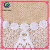 Collares con cordones florales blancos asequibles del ganchillo