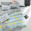 Bett in einer Baumwollbettwäsche des Beutel-Ausgangsgewebe100
