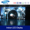 En el interior de la pared de vídeo HD P2.5 Panel LED RGB para la etapa