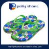 Зеленый открытым носком Flip флоп благоухающем курорте