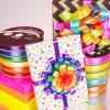 Cinta doble colorida del satén para la decoración del conjunto del regalo