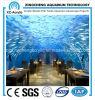 Acuario subacuático del restaurante