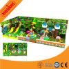Les enfants de terrain de jeux intérieur et parc de loisirs de l'équipement