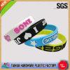 Bracelets en gros de silicones de Costom avec l'impression gravée en relief (TH-002)