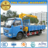 Dongfeng 4*2 4つのTのトラックは販売のためのローディングクレーンによって取付けた