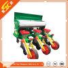 Ferme/Corm agricole plantation de maïs et de fertilisation de la machine