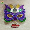 高品質の金属の鋳造のエナメルのきらめきマスクのバッジ