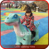 Parque de diversões a uma curta viagem de dinossauro Animatronic