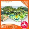 Labirinto macio interno do parque de diversões fantástico com jogos