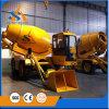 De Vrachtwagen van de Concrete Mixer van de lage Prijs met de Pomp van het Water