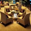 Registrazione attendente del Hilton Hotel della mobilia cinque stelle moderna dell'ingresso