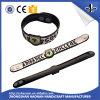 A buon mercato progettare il Wristband per il cliente del PVC di figura con il partito
